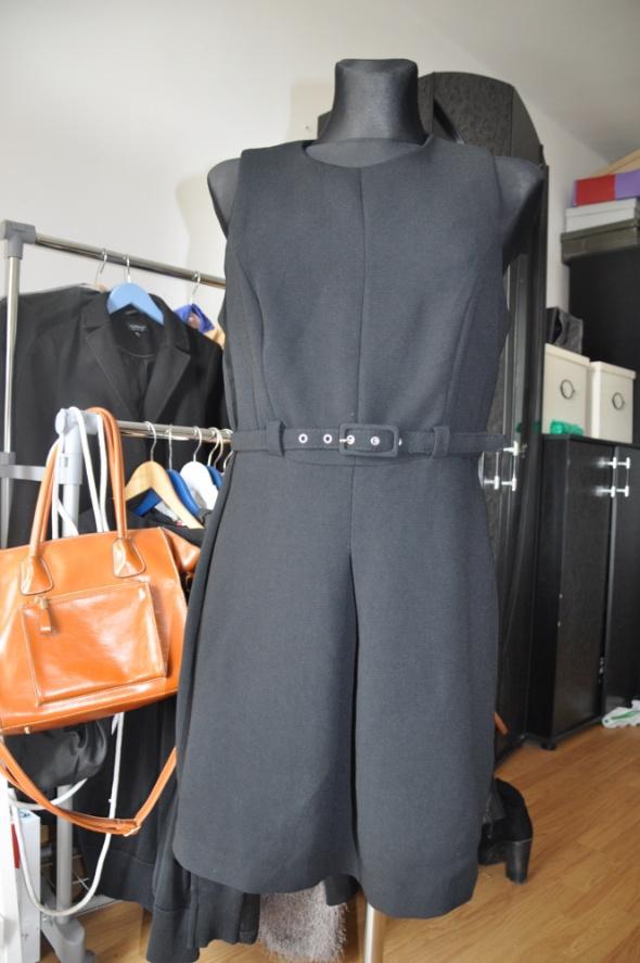 Suknie i sukienki Mała czarna New Look