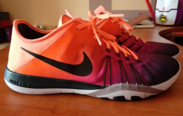 Buty Nike WMNS Free TR 6 Spectrum