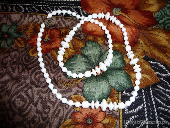 Białe korale jablonex