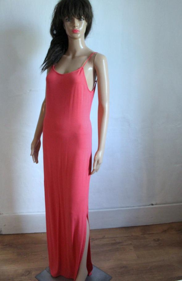 Sukienka maxi na ramiączkah malinowa r M...