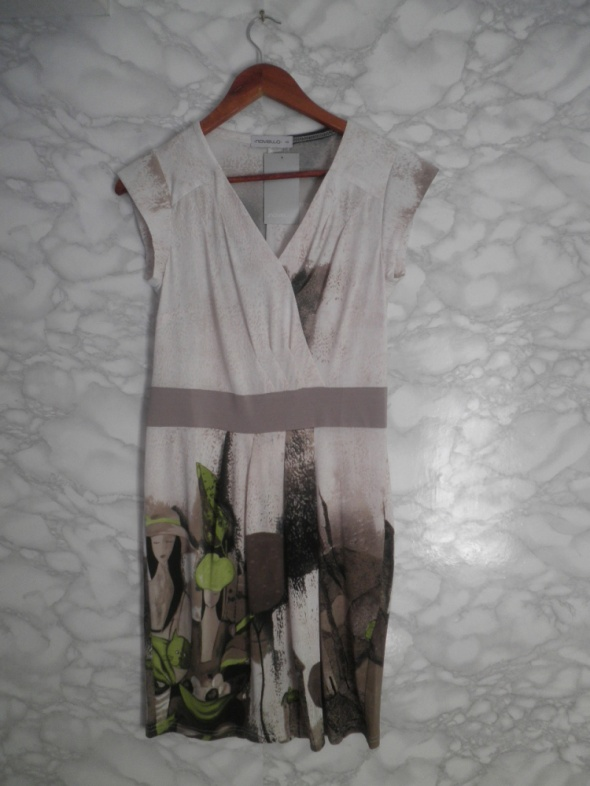 Novello nowa elegancka ołówkowa sukienka beż print obraz 40 L