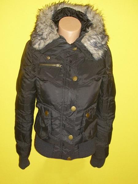 czarna kurtka zimowa z kapturem xs s