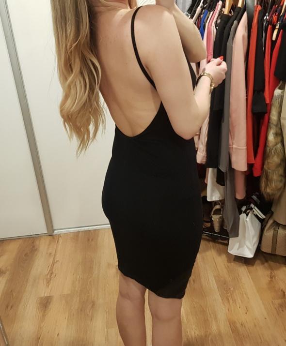 Sukienka mała czarna odkryte plecy M