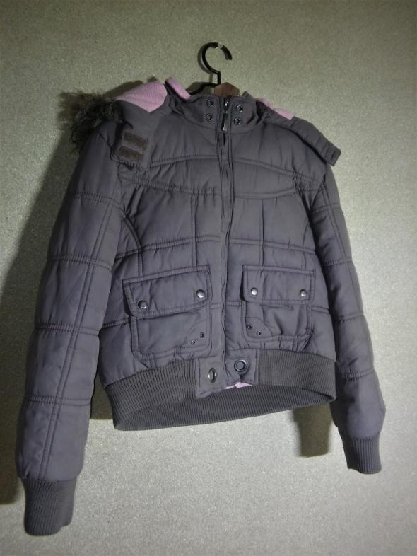 Brązowa Brązowa pikowana kurtka z futrzastym kapturem 140 146 cm 10 11 lat