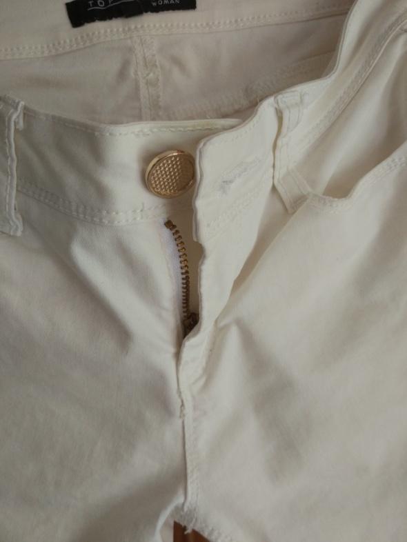 Białe spodnie top secret 36...