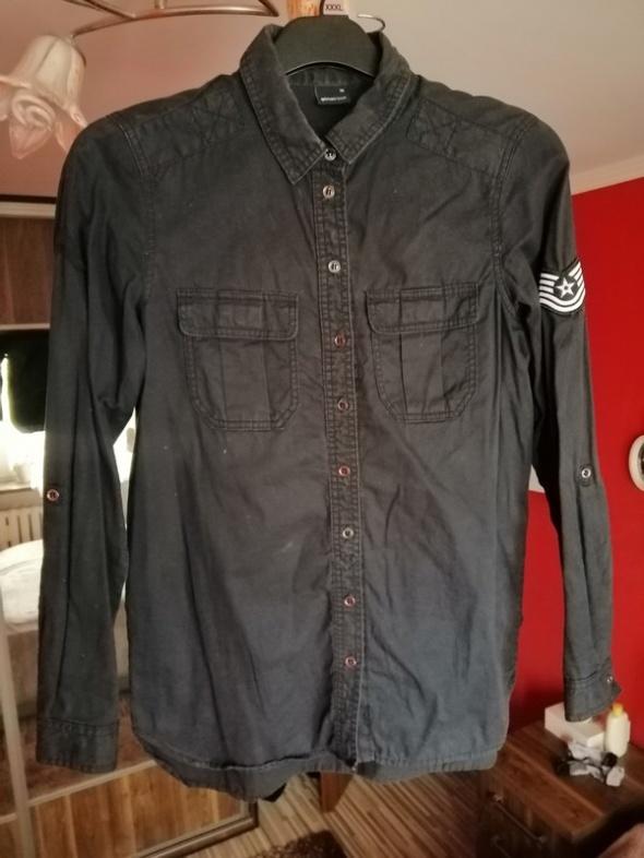 Czarna militarna koszula