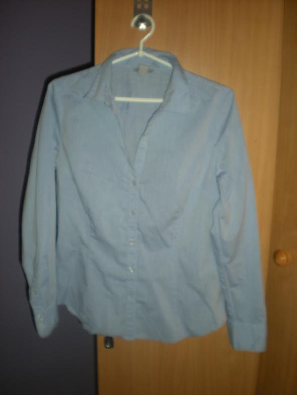 Niebieska koszula z długim rękawem