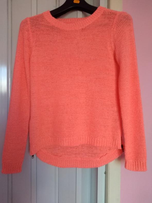 Sweter neonowy na lato...