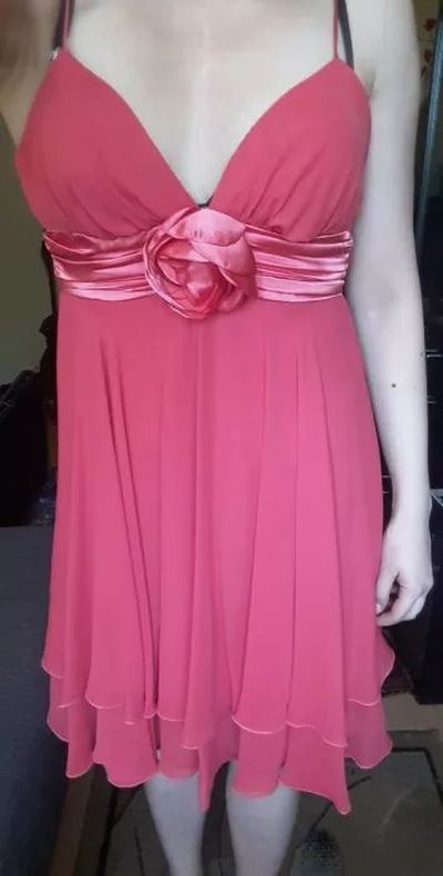 szyfonowa sukienka malinowa