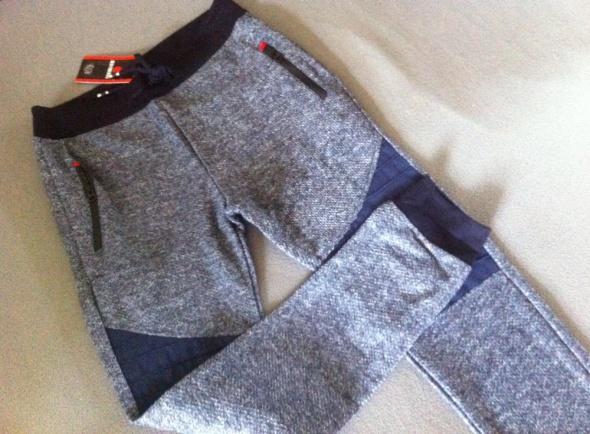 Nowe dresy spodnie rurki granat S...