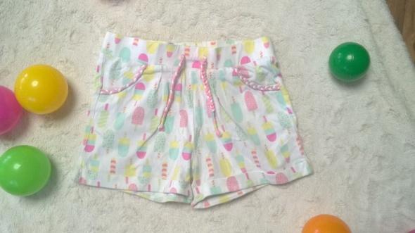 Spodnie i spodenki Pastelowe krotkie spodenki w lody