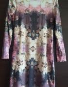 Sukienka ołówkowa midi w kwiaty długi rękaw prosta Topshop Peti...