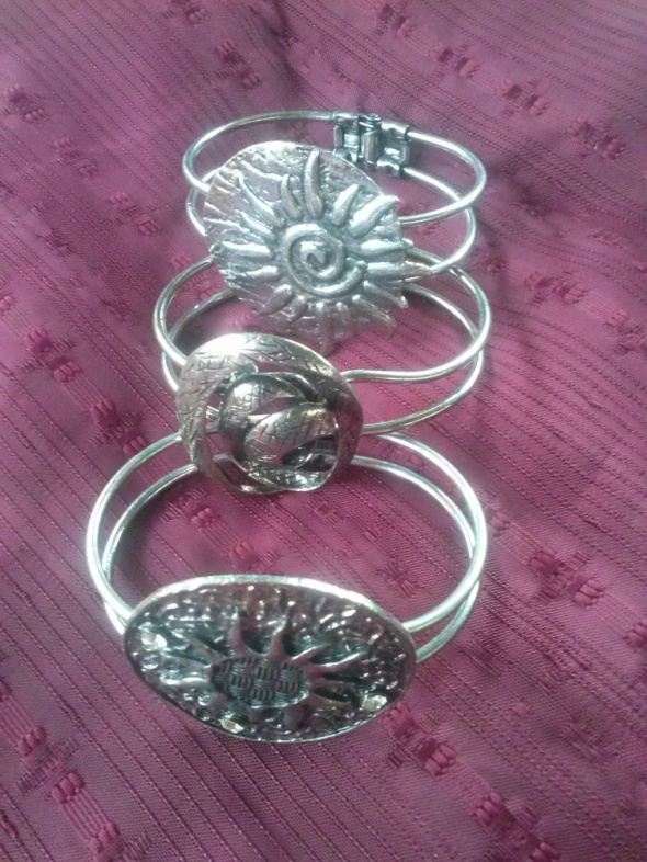 metalowe bransoletki