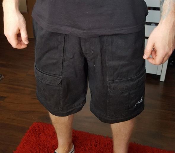 Spodenki Czarne spodenki bojówki Fila rozmiar S streetwear oldschool