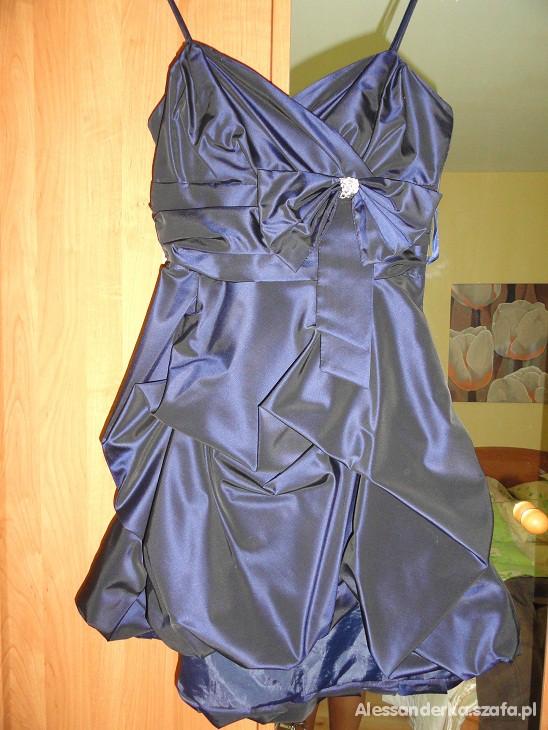 Śliczna nowa suknia