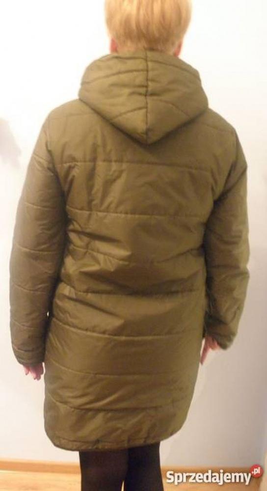 Pikowany ortalionowy płaszcz z kapturem...
