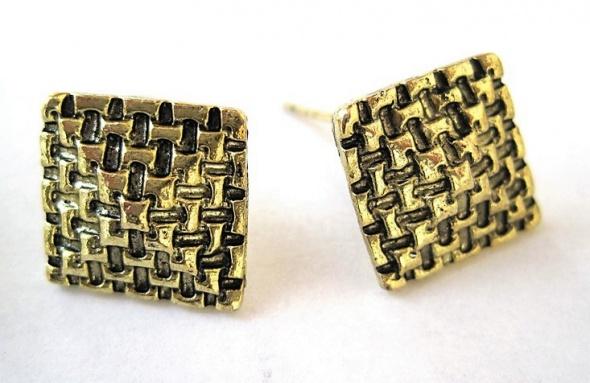 małe kolczyki wkrętki plecione kwadraty złote...