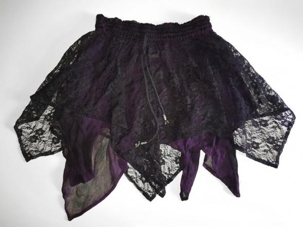 spódnica na lato koronkowa gotycka gothic koronka fioletowa czarna mini rozkloszowana asymetryczna