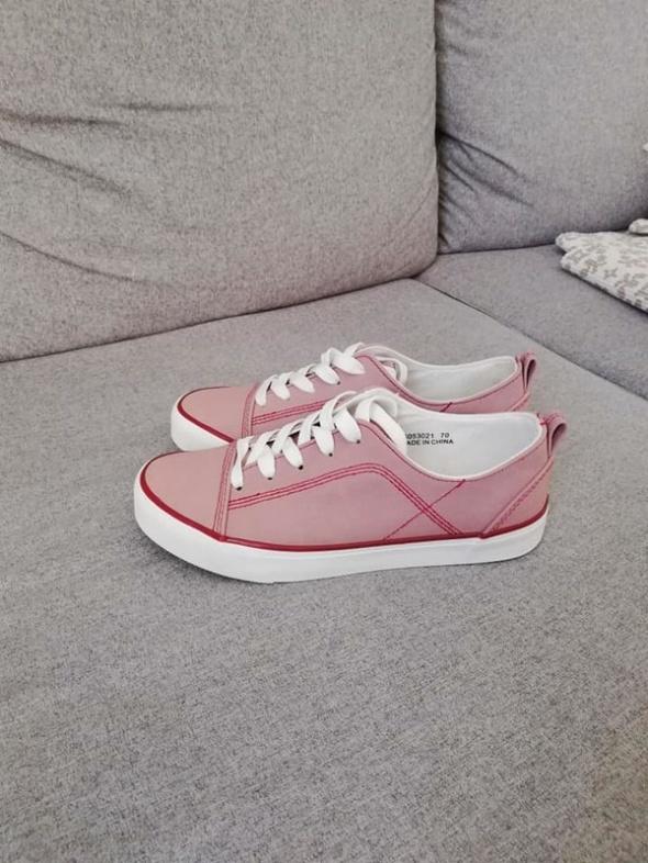 New Look różowe sneakersy niskie lato 2019...