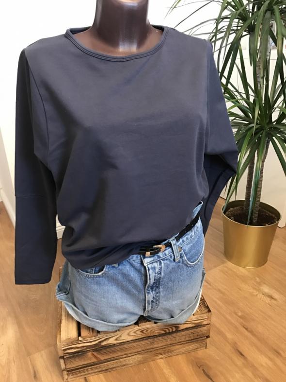 grafitowa bluza