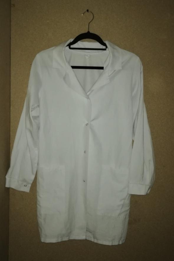 Biała rozpinana bluza medyczna pielęgniarska 38