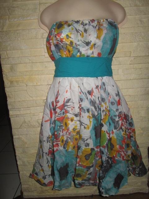 Sukienka w kwiaty rozmiar S bawełniana