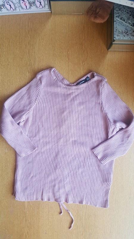Sliczny sweterek stradivarius sznurowany s