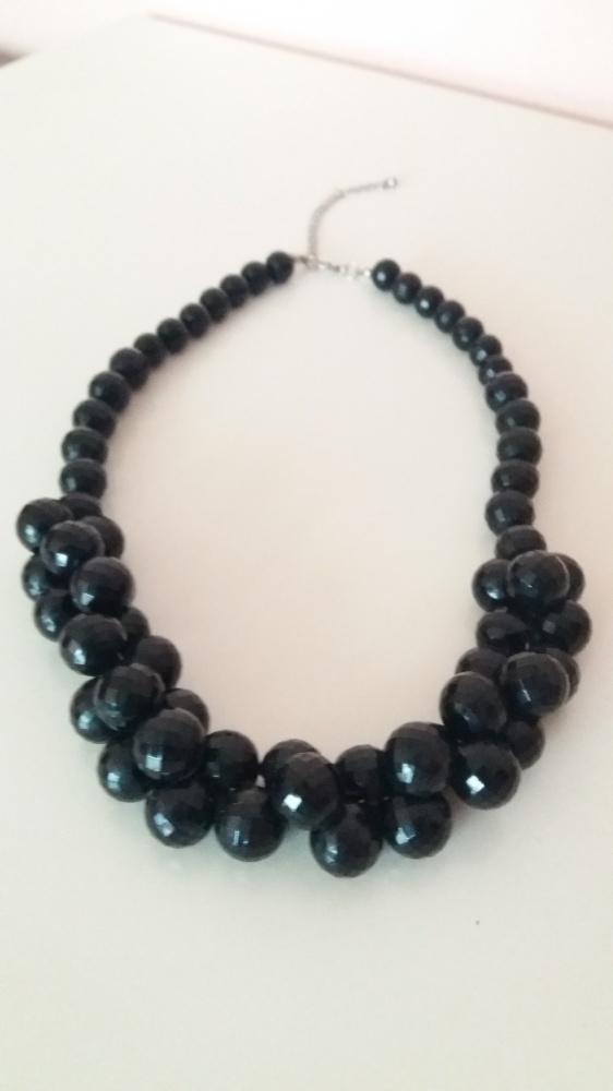 Korale czarne eleganckie