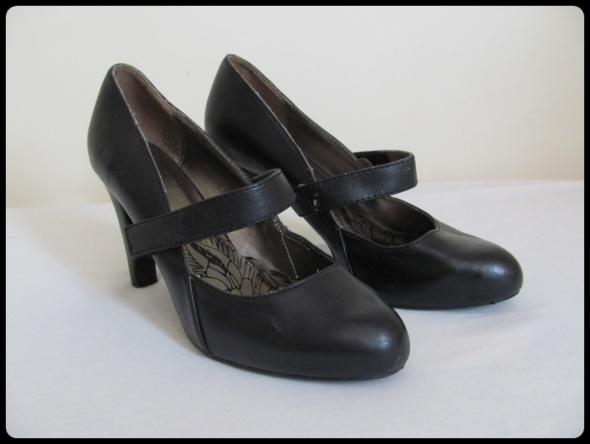 Czółenka rozmiar 40 buty na obcasie 9 cm
