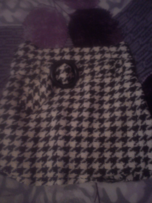 spódnica z grubego materiału