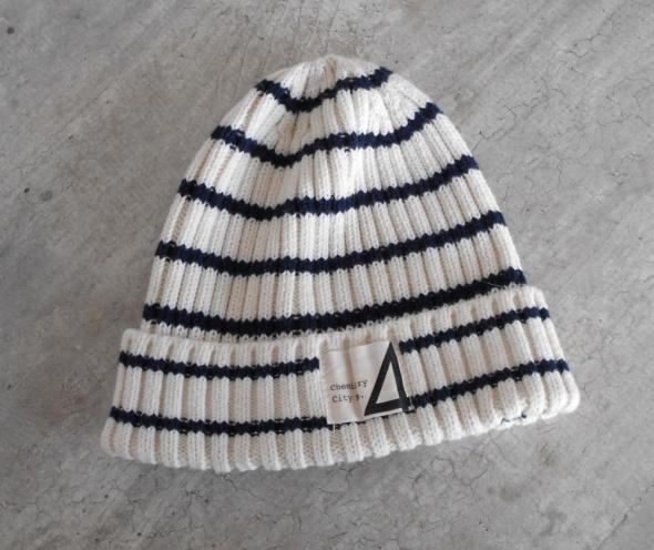 HM czapka zimowa paski