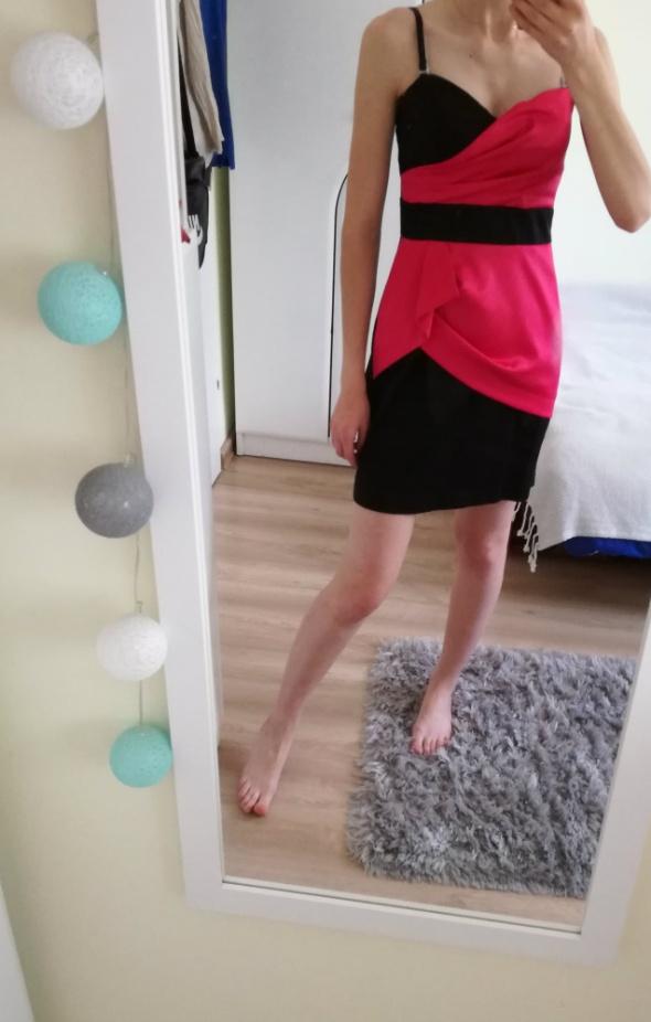 Sukienka czarno różowa