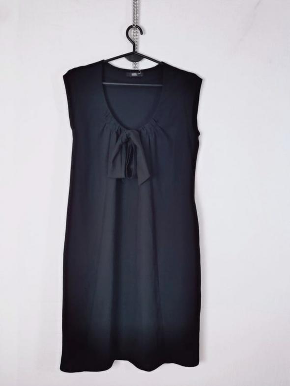 M&S Marks & Spencer Czarna prosta sukienka ozdobna wstążka deko...