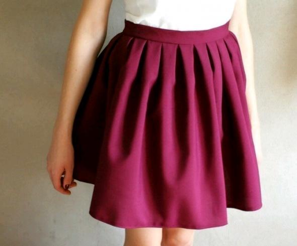 Nowa plisowana bordowa spódnica