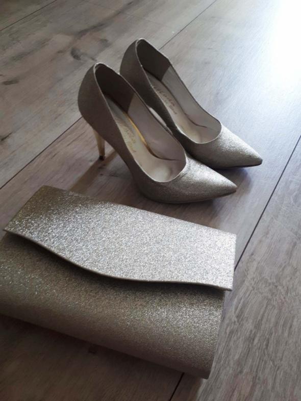 Złota torebka i buty w tym samym kolorze złoty brokat