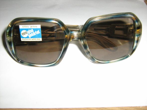 Duże okulary przeciwsłoneczne muchy