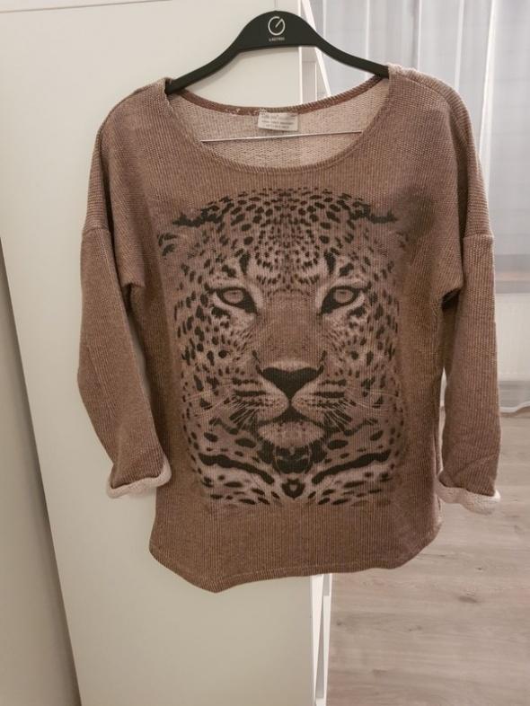 sweterkowa bluzka z tygrysem...