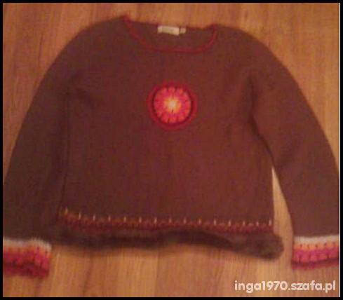Sweterek H&M z folkową aplikacją i futerkiem 140