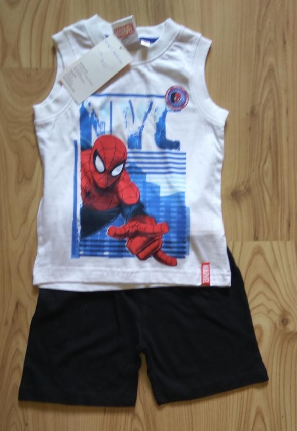 Komplety Nowy letni komplet bluzka bez rękawów spodenki Spiderman 98 104