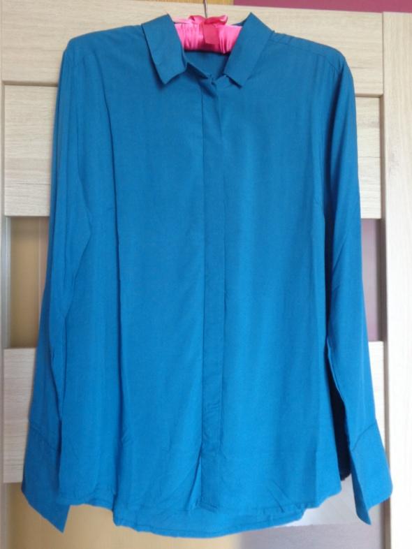 Koszula w morskim kolorze