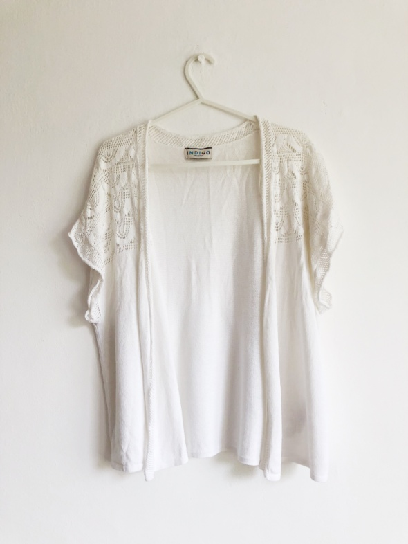Biała narzutka ecru koronka hippie boho sweterek