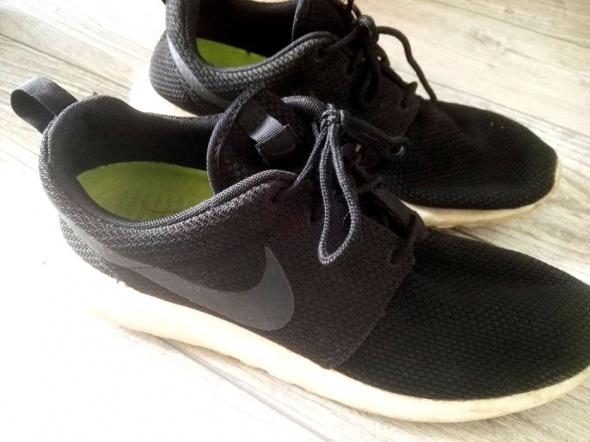 Nike Roshe Run Black...