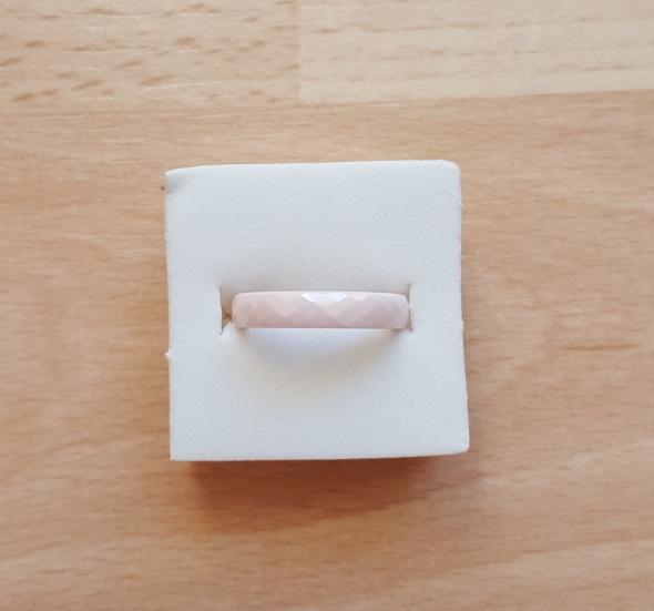 Nowy pierścionek ceramiczny jasny róż jasnoróżowy różowy obrączka