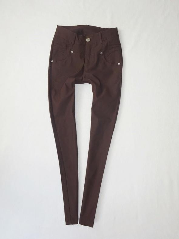 brązowe spodnie rurki wygodne zgrabne miękkie tregginsy 36 S