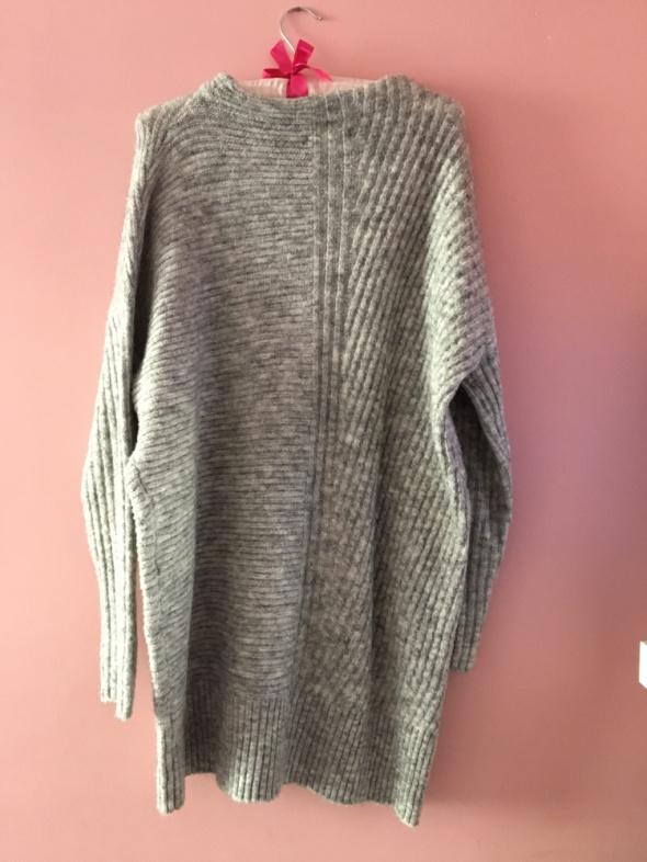 Sukienka sweter...