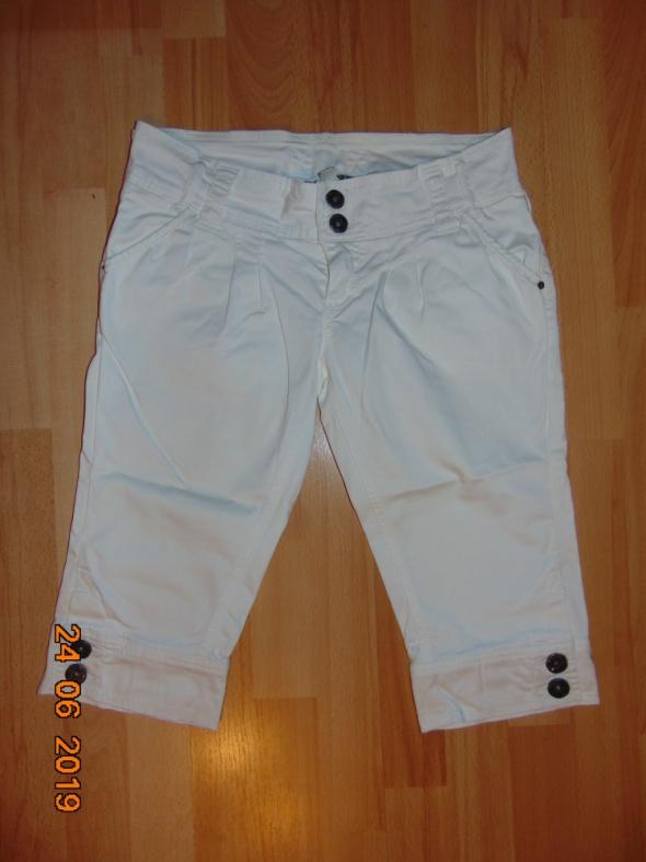 Spodnie Spodnie za kolano M 38