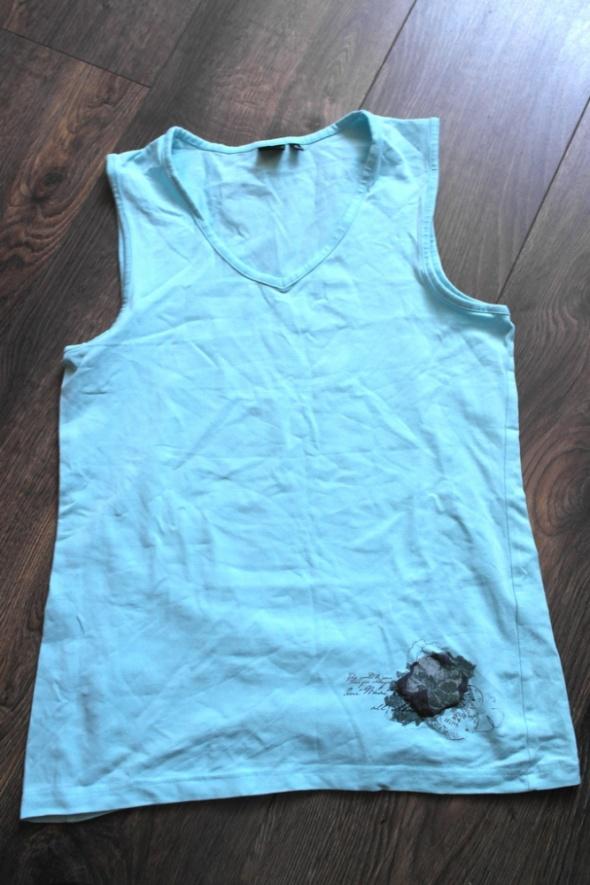 Letnia niebieska bluzeczka 40