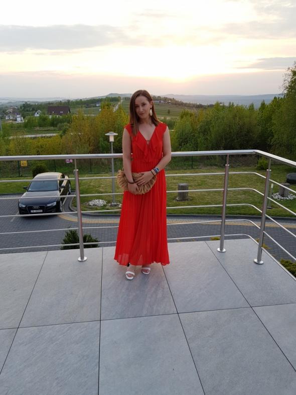 Koralowa sukienka maxi Zara wesele