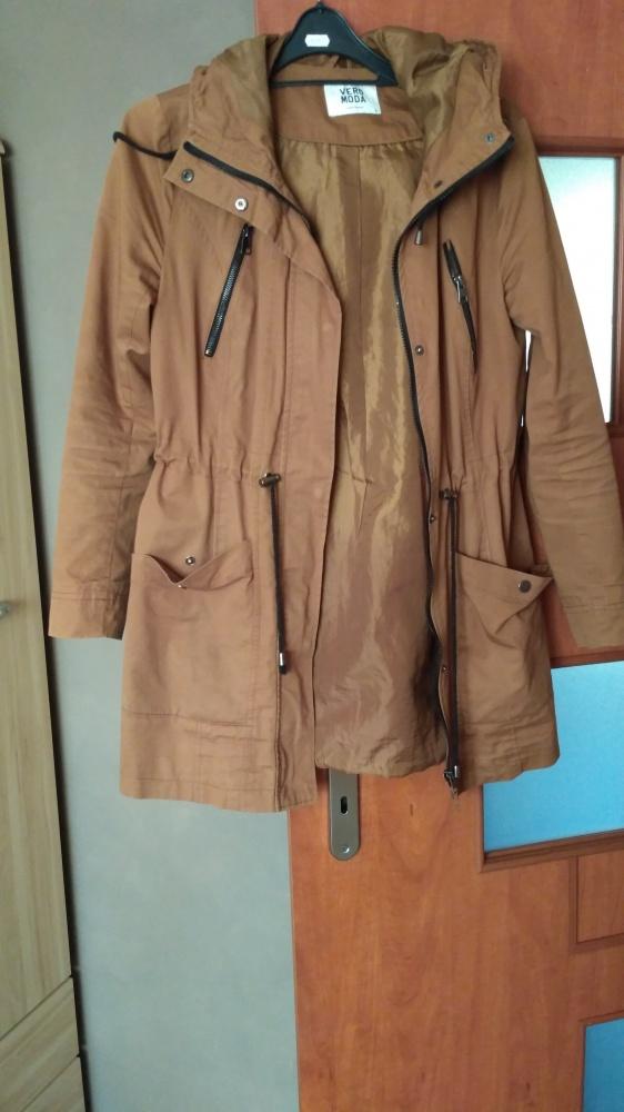 Parka karmelowa Vero Moda płaszcz kurtka z kapturem