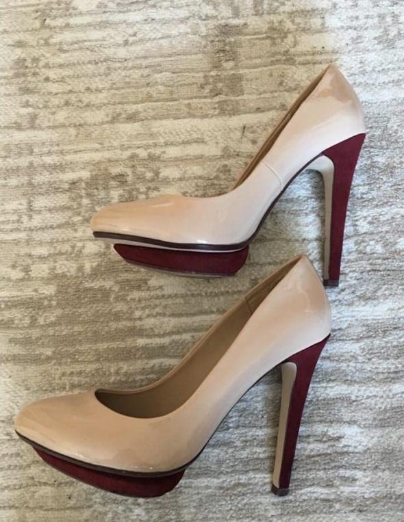 eleganckie szpilki Zara...